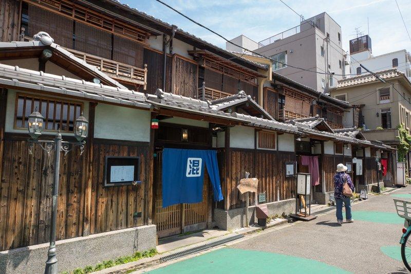 248365_12-02_Abeno