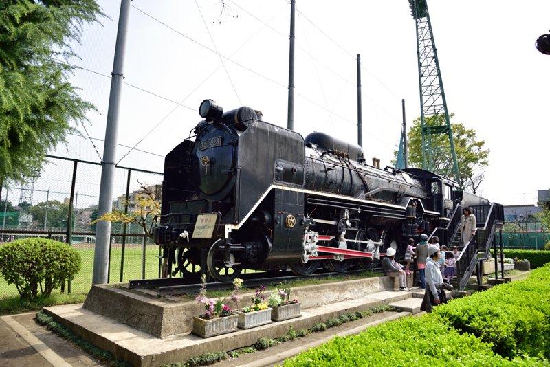 蒸気機関車(D51)